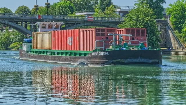 Container vessels