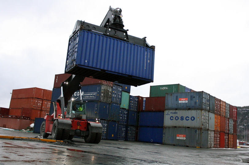 Full Container Load (FCL)